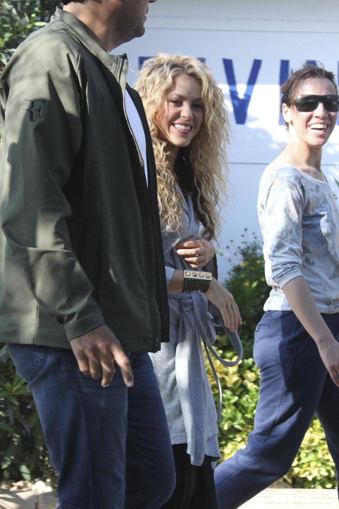 Shakira oğluyla film setinde