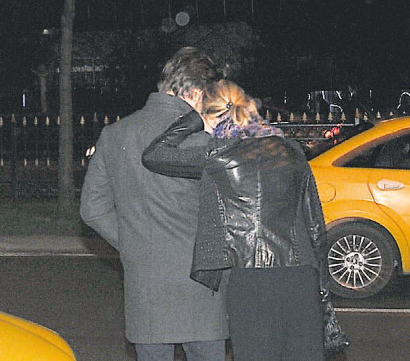 Tuba Ünsal'ın eşi fena yakalandı!