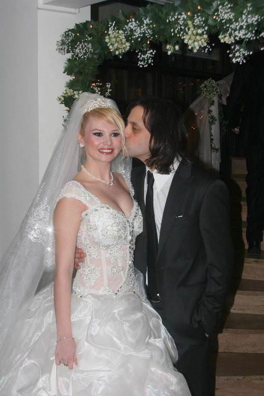 Ünlü çift boşanıyor