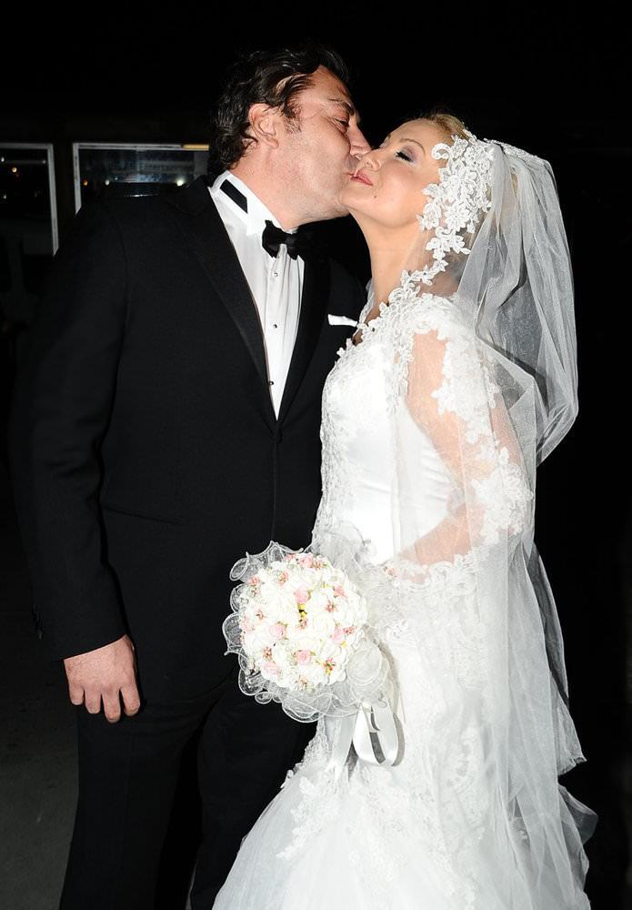 �nl� sunucu Zahide Yeti� evlendi