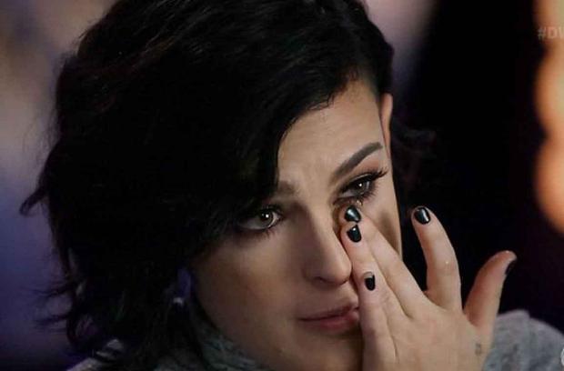 Ünlü yıldızların kızını çirkin diye ağlattılar