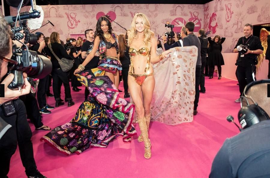 Victoria's Secret'ın kamera arkası