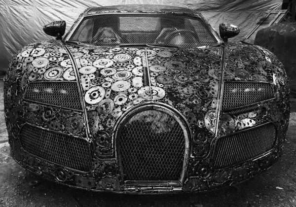 Hurdadan yapılan otomobil efsaneleri göz kamaştırıyor.