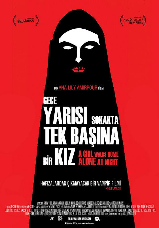 Gece Yarısı Sokakta Tek Başına Bir Kız filminden kareler