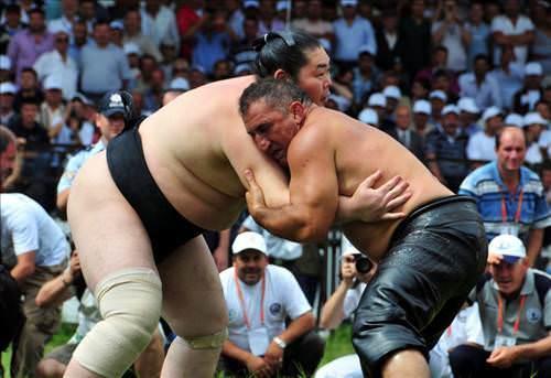 ヤールギュレシと相撲 | トルコ...