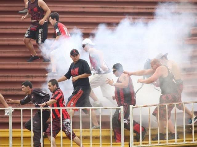 Atletica Paranaense - Vasco de Gama maçında olaylar çıktı