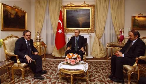 Başbakan ve Platini bir arada