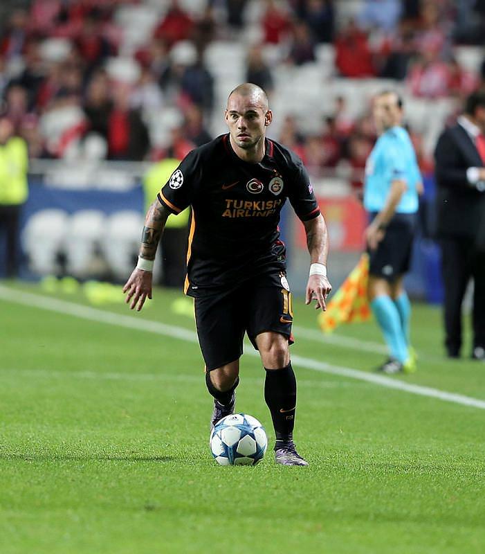 Chelsea'den Sneijder bombası!