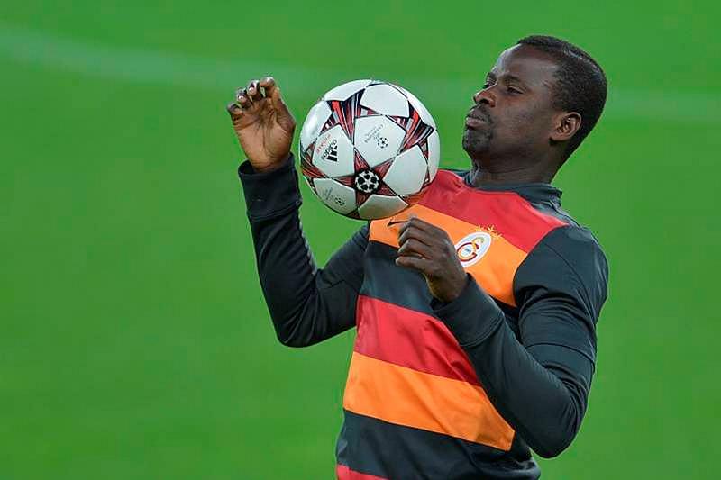 Eboue: Fenerbahçe'de oynarım