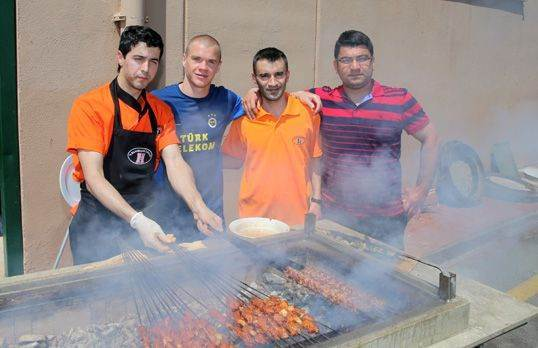 Fenerbahçe'ye kebap ziyafeti