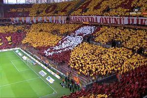 Galatasaray Beşiktaş derbisinde müthiş koreografi