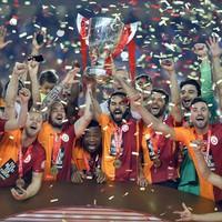 Galatasaray kupayı böyle kaldırdı