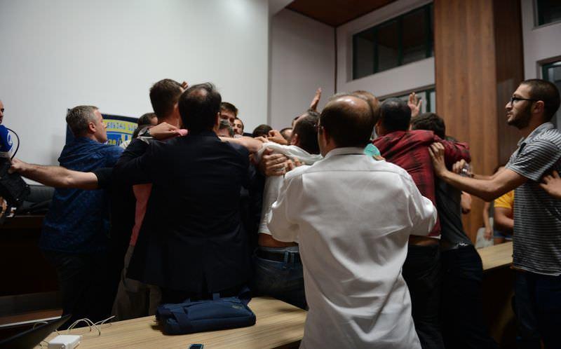 Gürcistan'da Türk gazetecilere saldırı
