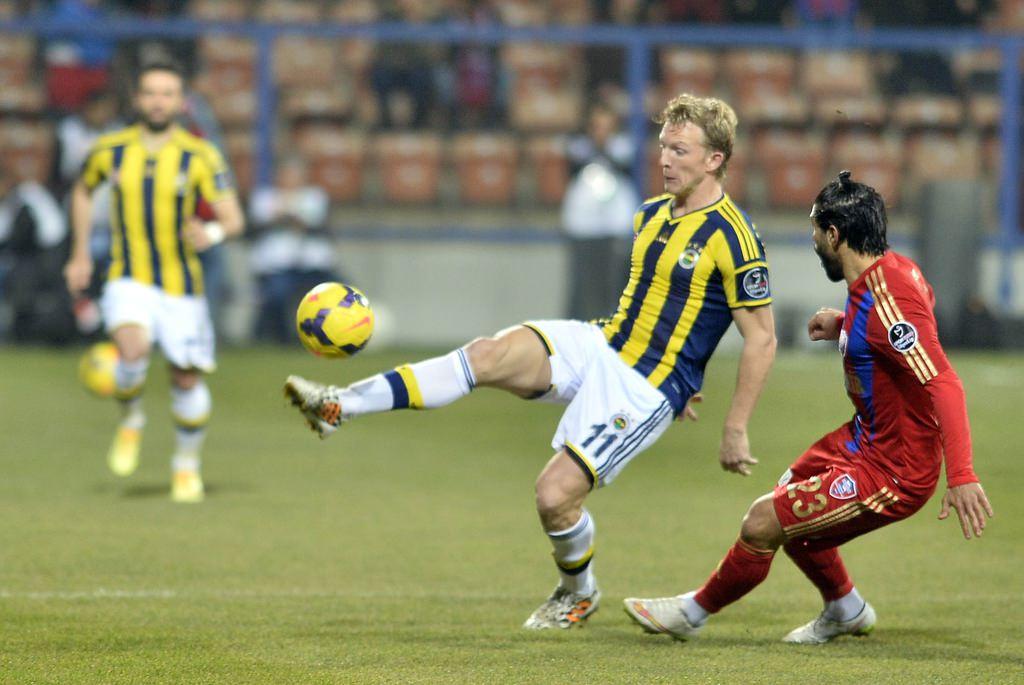 Karabükspor - Fenerbahçe maçının fotoğrafları