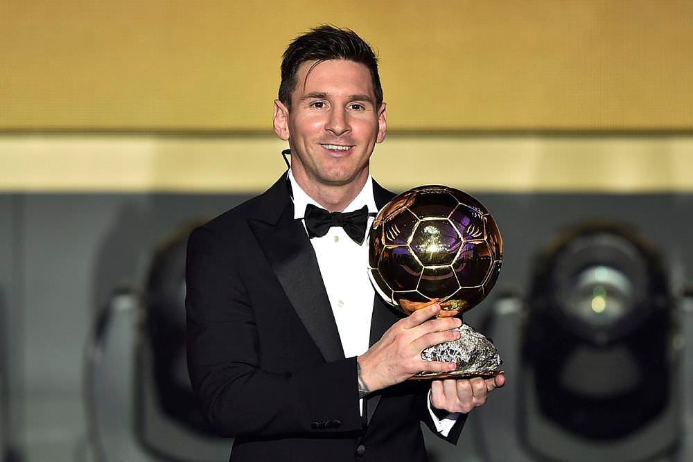 Messi herkesi ters köşe yaptı