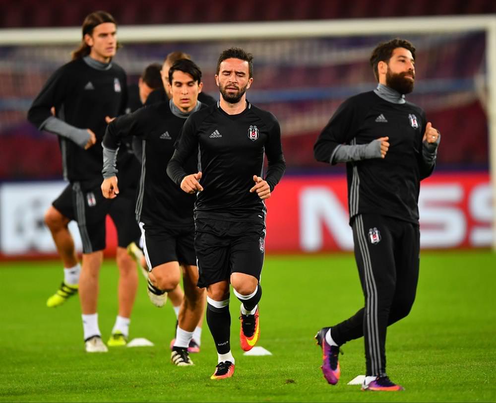 Napoli Beşiktaş maçını şifresiz veren kanallar (19 Ekim Çarşamba)