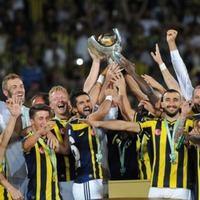 Süper Kupa'yı kazanan Fenerbahçe sosyal medyayı yıktı