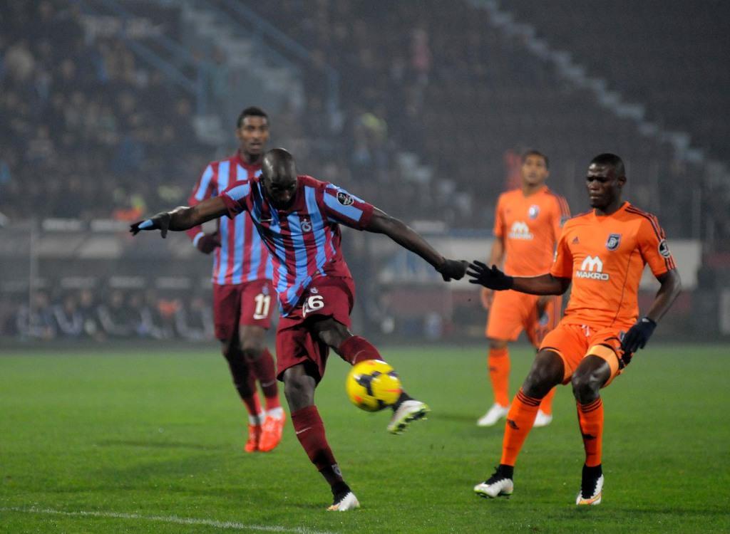 Trabzonspor - İstanbul Başakşehirspor maçından kareler
