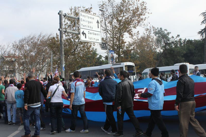 Trabzonspor taraftarı TFF binasına yürüdü