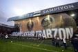 Trabzonspor taraftarından skandal koreografi hatası