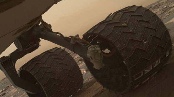 NASA'nın Mars canavarı yavaş yavaş parçalanıyor!