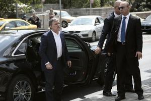 Abdullah Gül, Erbakan'ın mezarını ziyaret etti