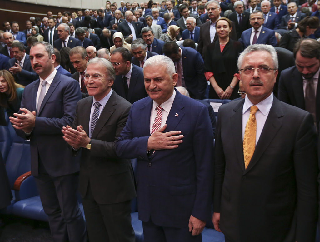 AK Partililer Yıldırım'ı böyle kutladı