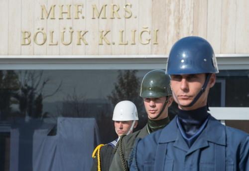 """Anıtkabir'in """"heykel"""" askerleri"""