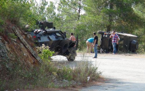 Askeri araç devrildi: 5 asker yaralı