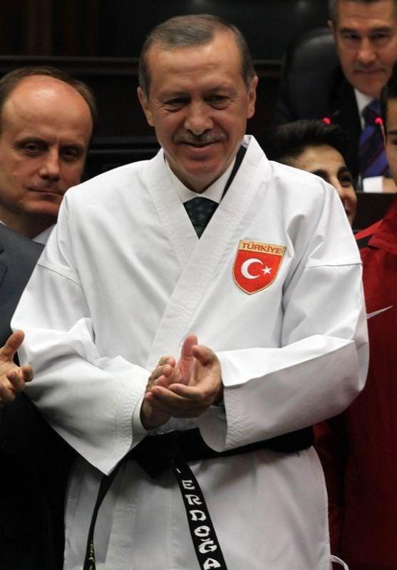 Başbakan'a siyah kuşak
