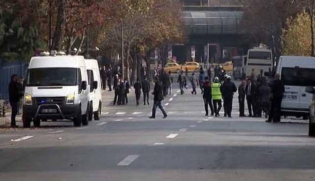 Başbakanlık'ta canlı bomba alarmı
