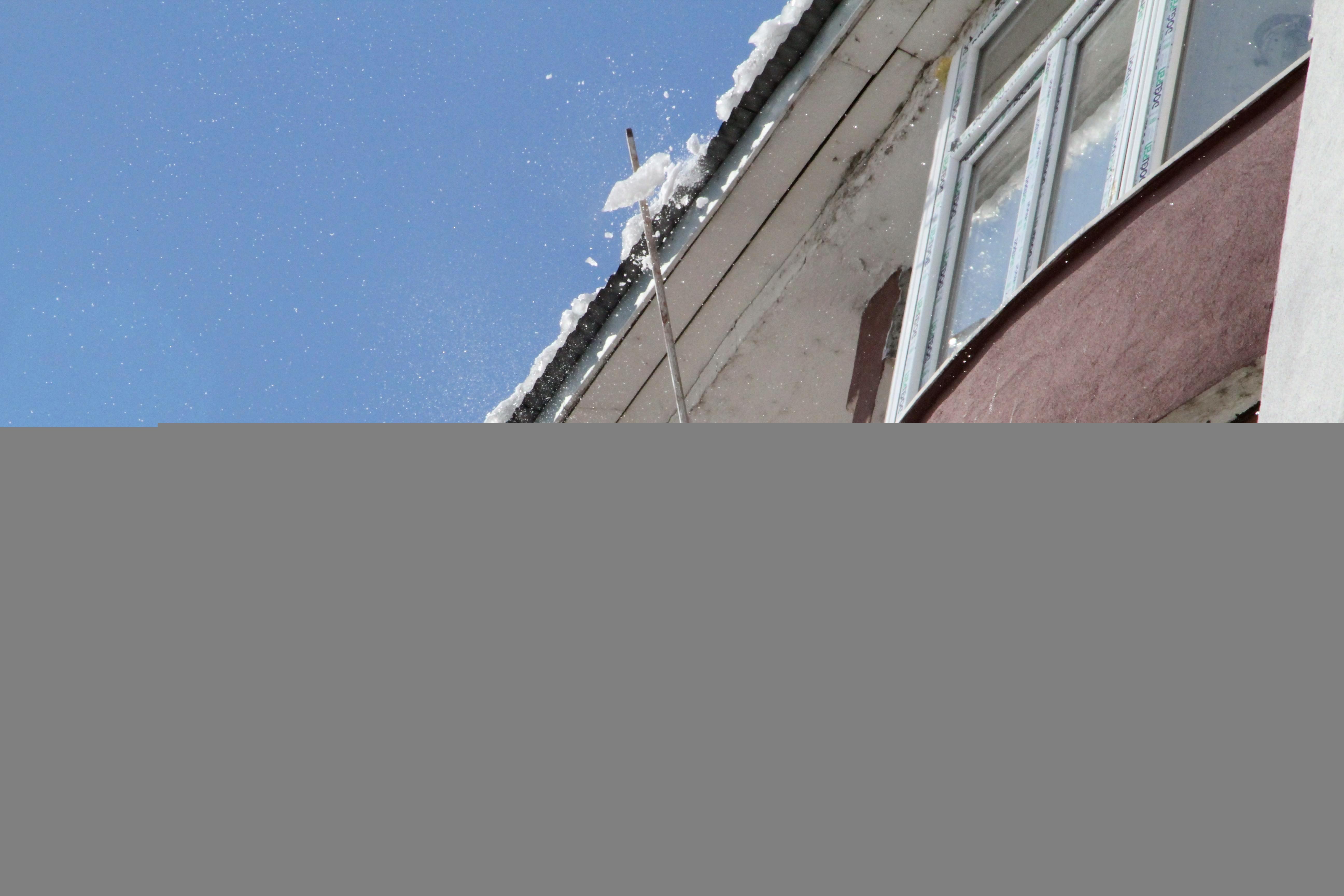 Buz tutan camlara ütü bile fayda etmedi