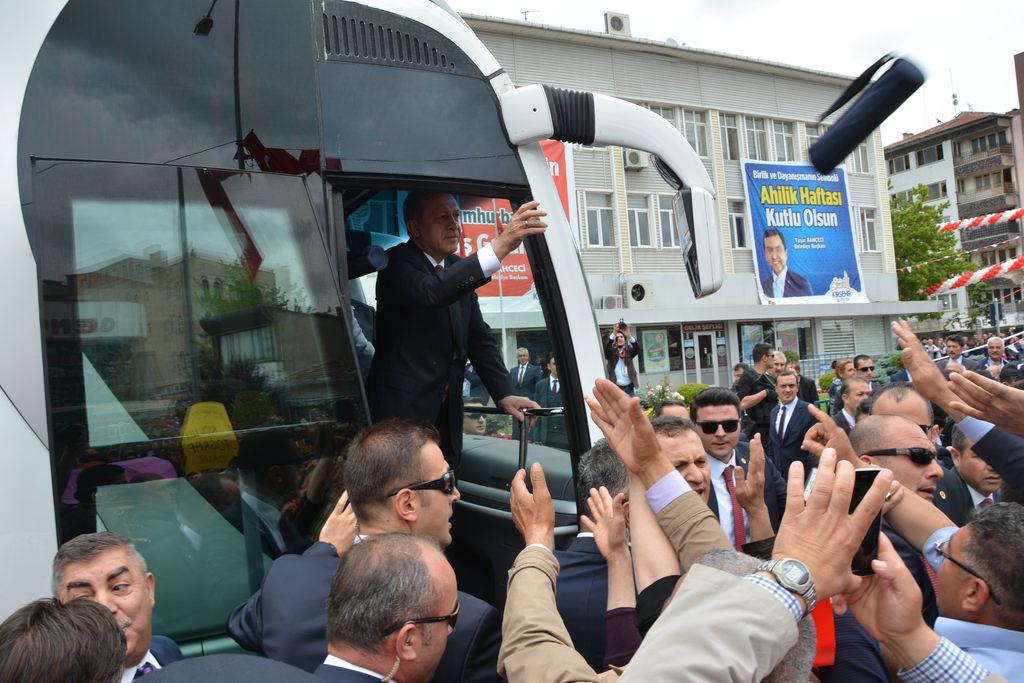 Cumhur Başkanı Erdoğan'na Kırşehir'de sevgi seli