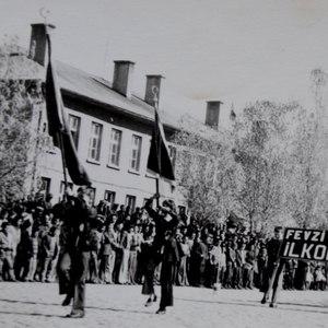 Cumhuriyetin izleri tarihi okulun arşivinde çıktı