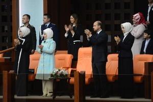 Erdoğan ailesi yemin törenini locadan izledi