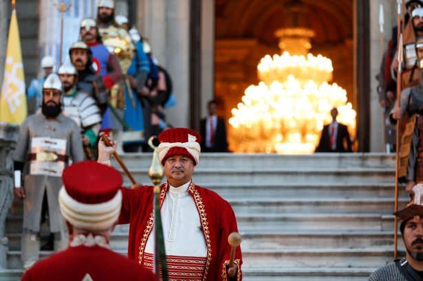 Erdoğan Dünya liderlerini mehterle karşıladı