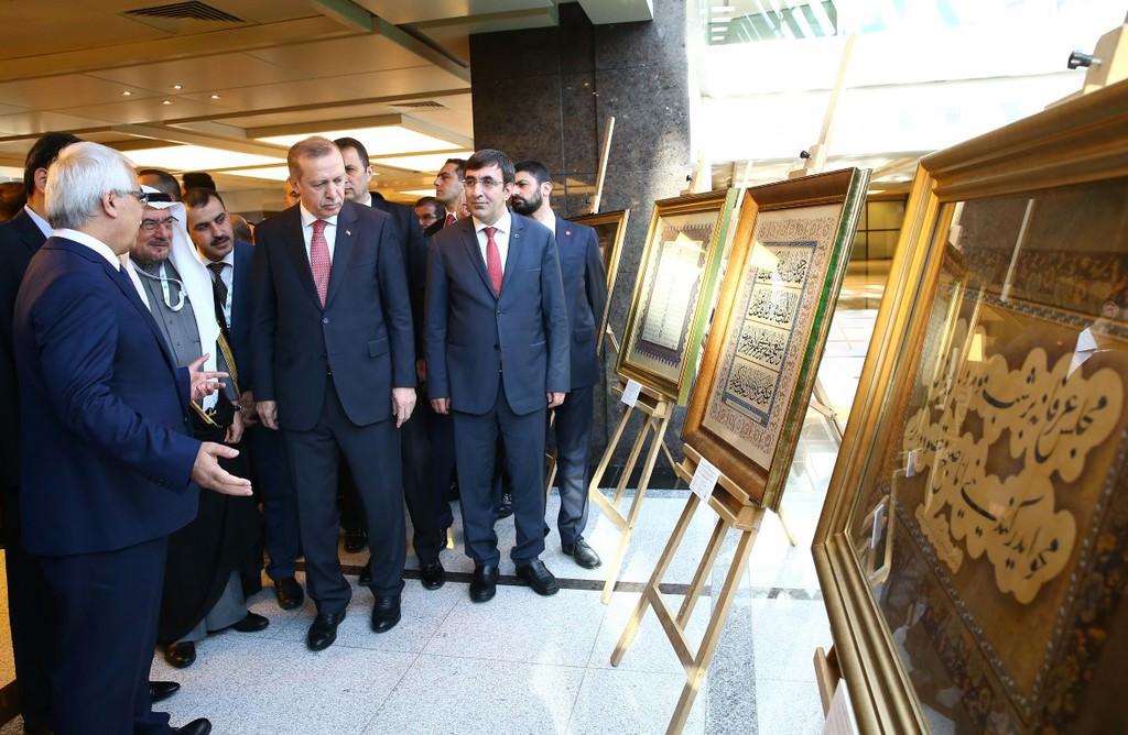 Erdoğan hat sanatları sergisini açtı
