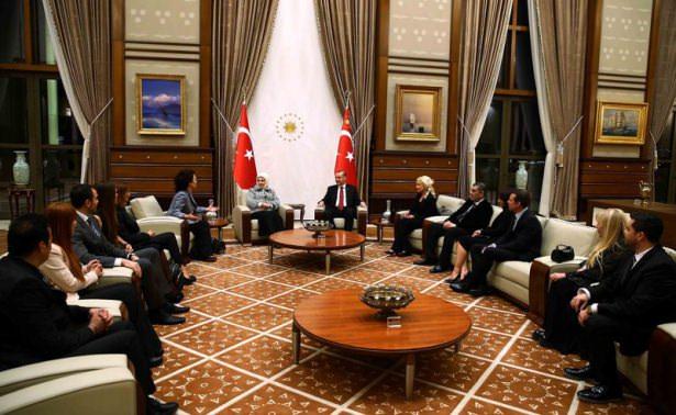Erdoğan, sanatçıları kabul etti