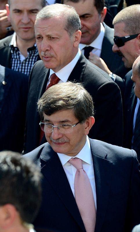 Erdoğanla Davutoğlu Cumayı beraber kıldı