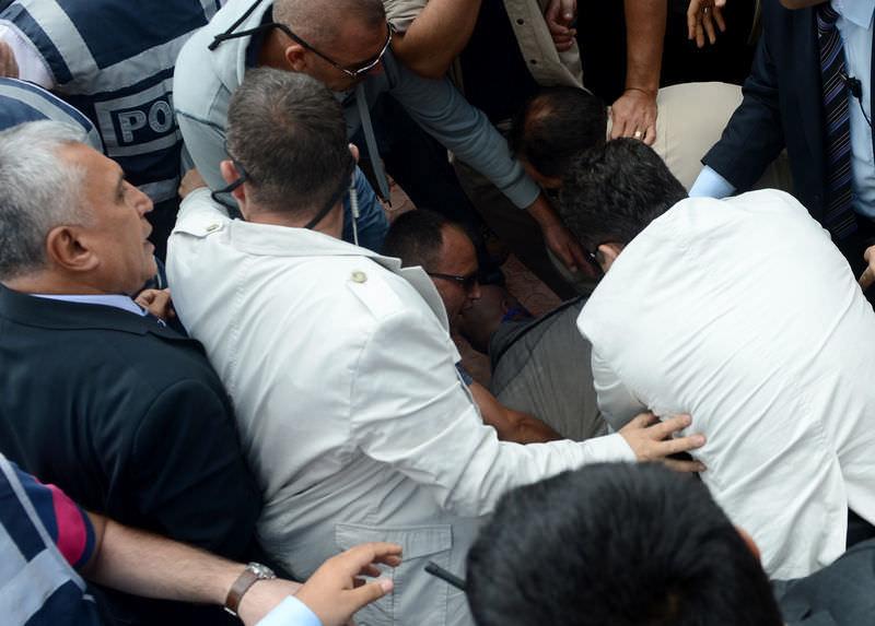 Hacı Bektaş'ta Bekir Bozdağ'a saldırı