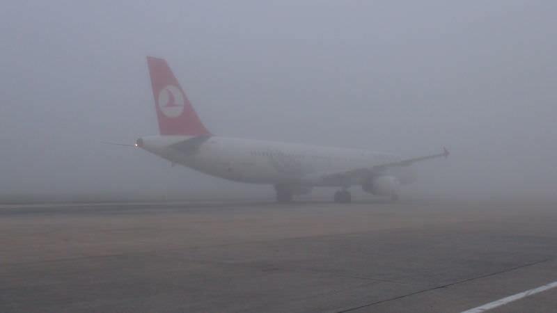İstanbul'da sis hayatı felç etti
