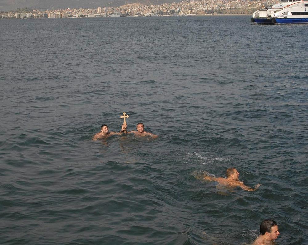 Izmirben is megtalálták a keresztet. Forrás: Sabah