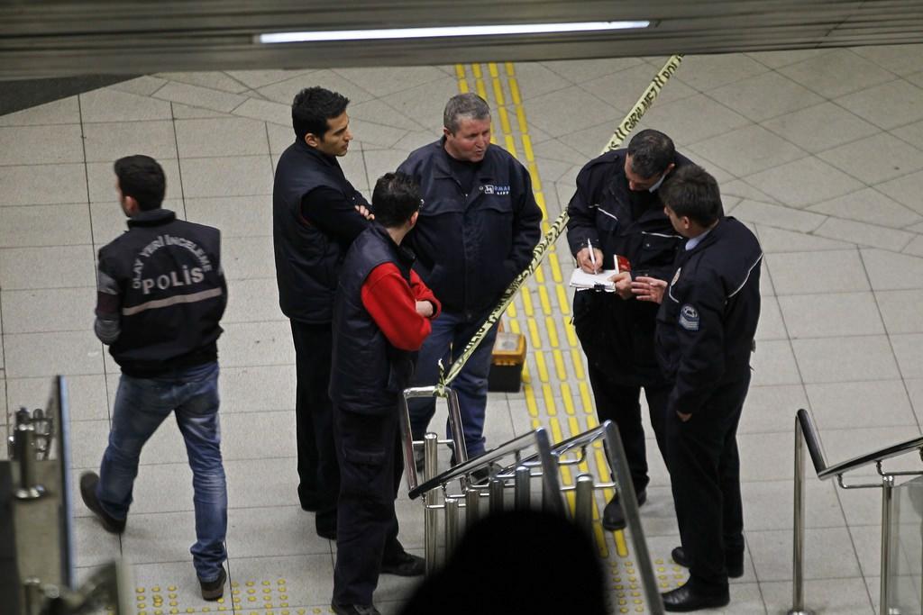 İzmir'de metro istasyonunda kaza