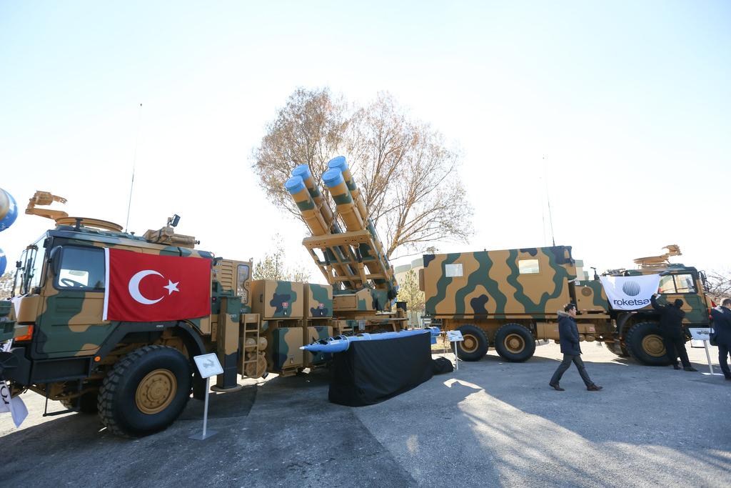 """Milli füze sistemi """"Kasırga"""" TSK'ya teslim edildi"""