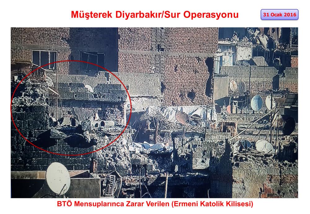 PKK Sur'da tarihi mekanları harabeye çevirdi!