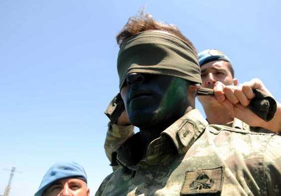 Türk komandolar en zorlu eğitimlerden geçiyor