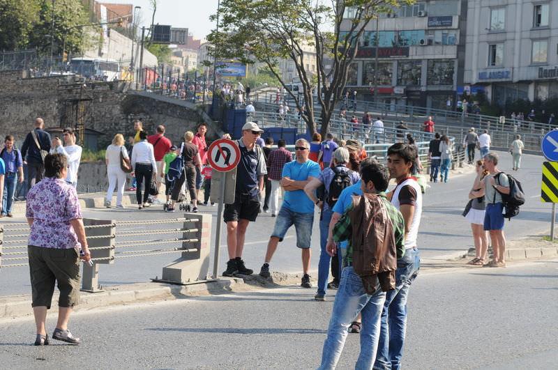 1 Mayıs mağduru turistler