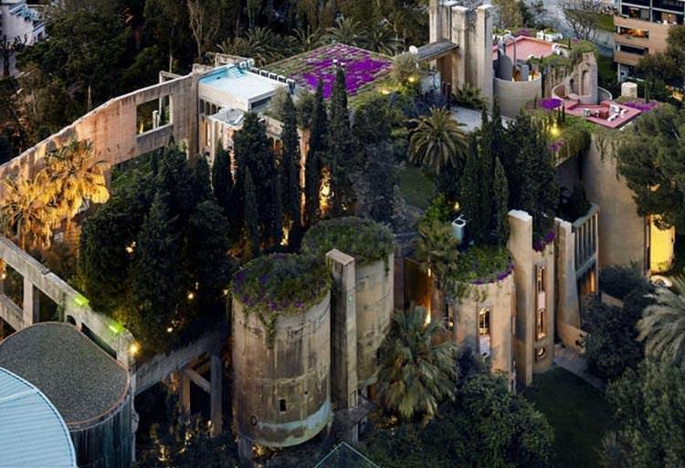 100 yıllık çimento fabrikasını eve dönüştüren çılgın mimar