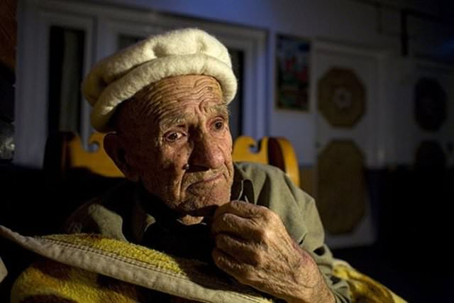 120 yıl yaşayıp, 70 yaşında doğum yapıyorlar!