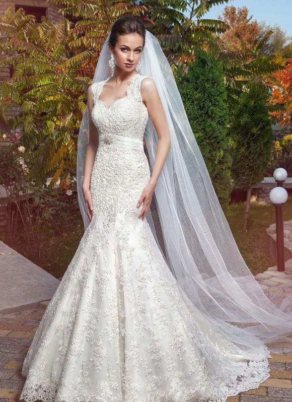 Свадебная прическа фата платье рыбка